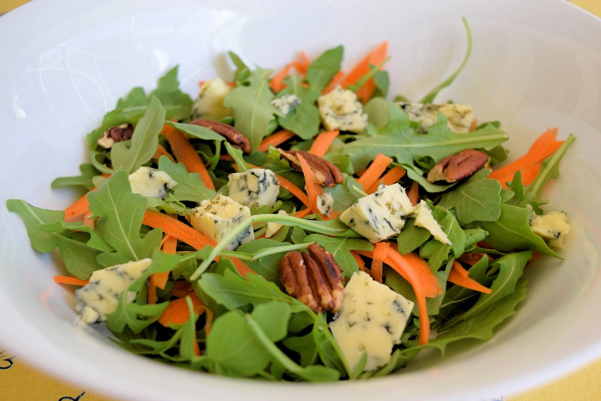 Arugula and Carrot Salad with Blue Cheese and Pecans Recipe