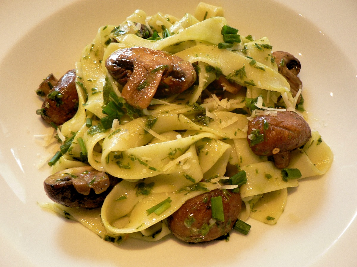 Tagliatelle with Roasted Mushrooms and Chive Pesto Recipe