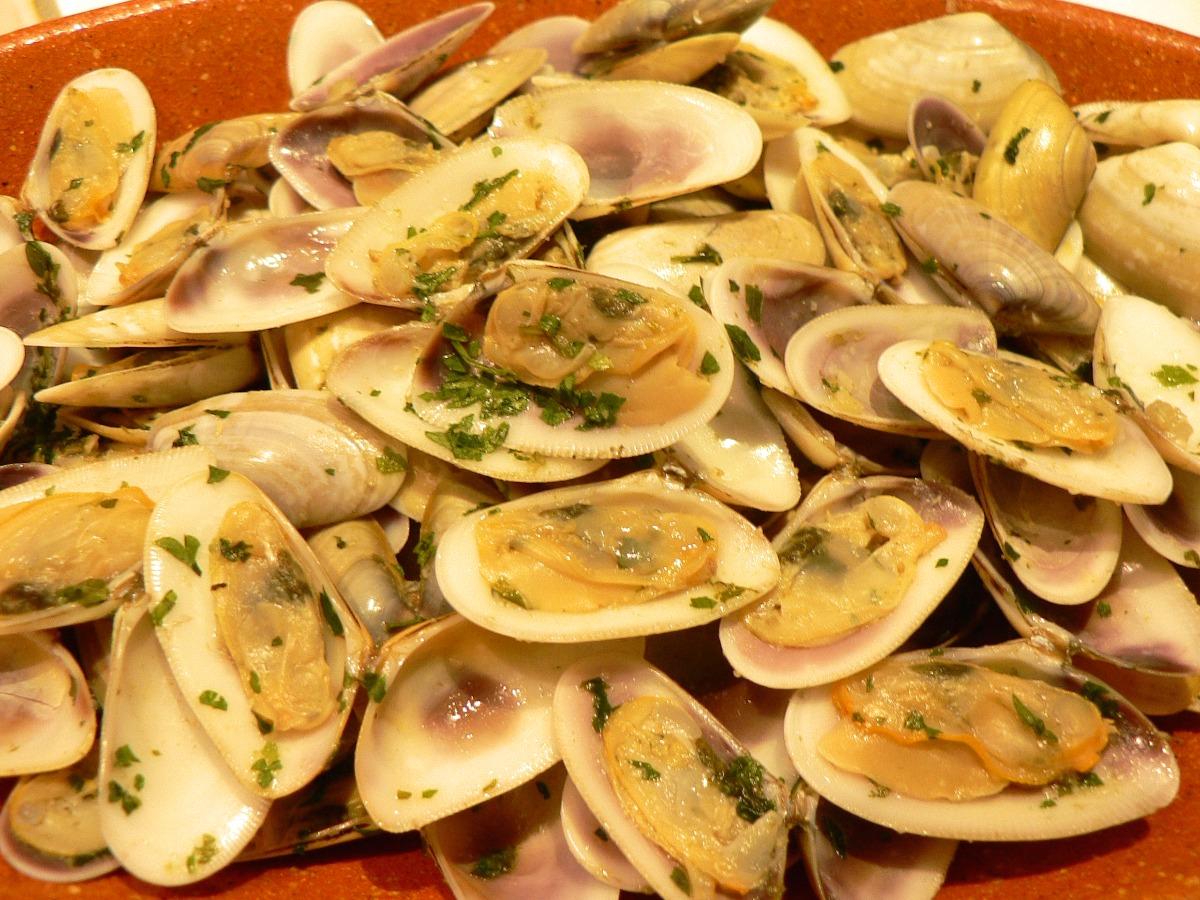 Wedge Clams in Persillade Recipe