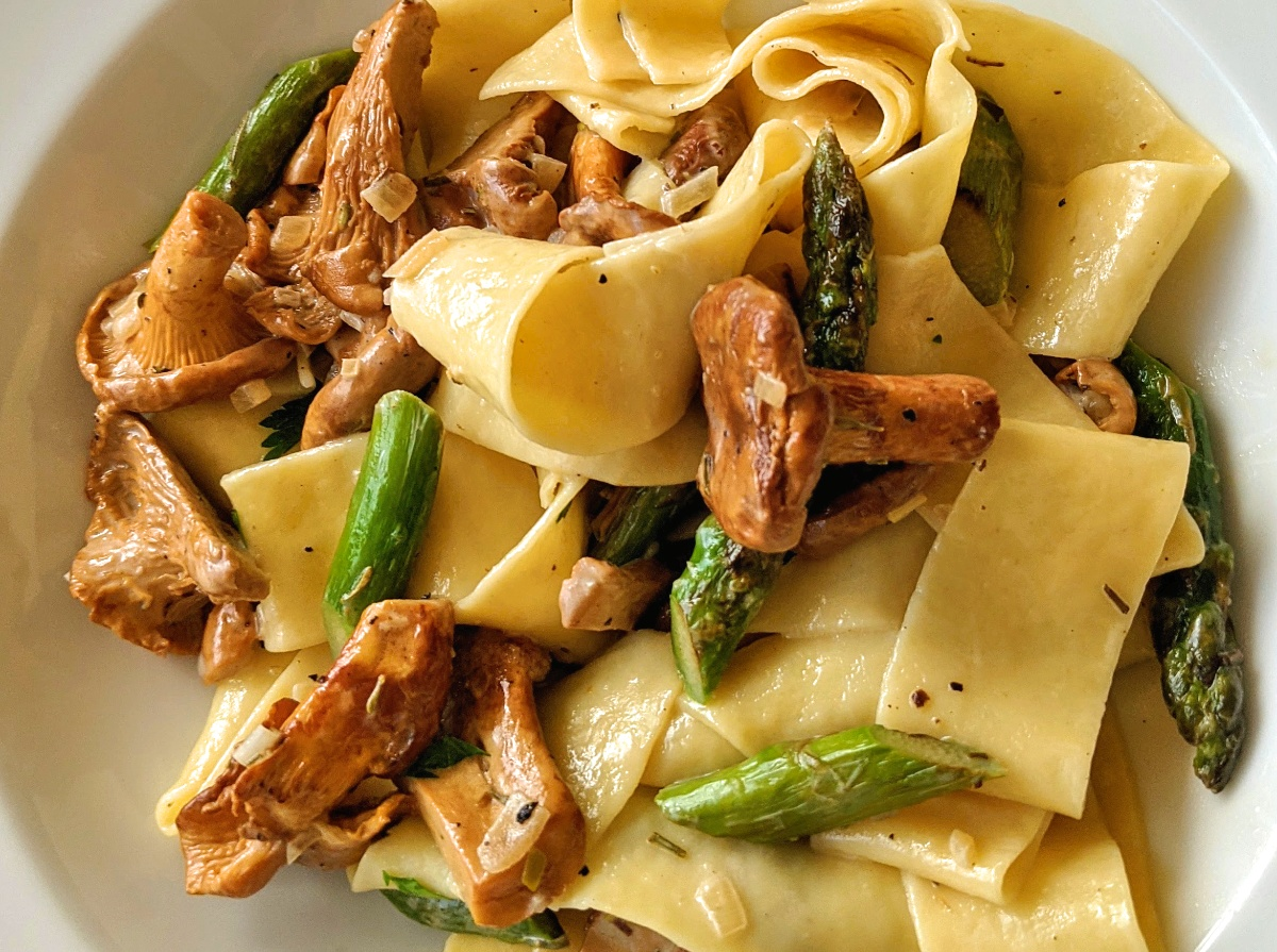 Pappardelle with Chanterelles and Asparagus Recipe